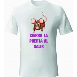 CAMISETA BLANCA CIERRA AL SALIR